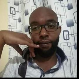 dating sites in kitengela orange is the new black writer dating actress